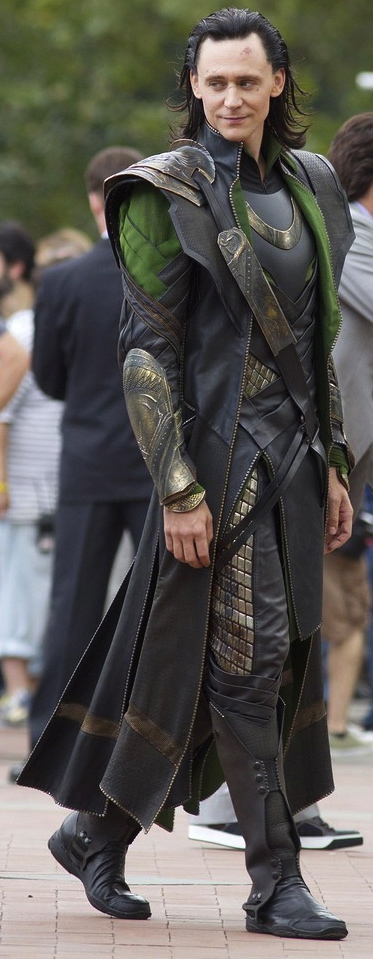 How to make a loki costume khaoskostumes i also found this image of a costume study by meramor on deviant art ive included the original and a slightly lightened version so you can see the lines solutioingenieria Choice Image